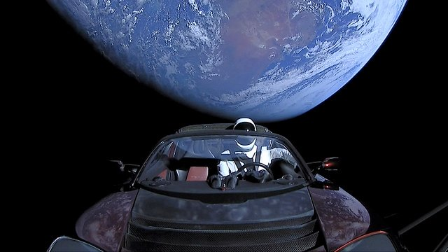Tesla Roadster Space X Starman in orbit